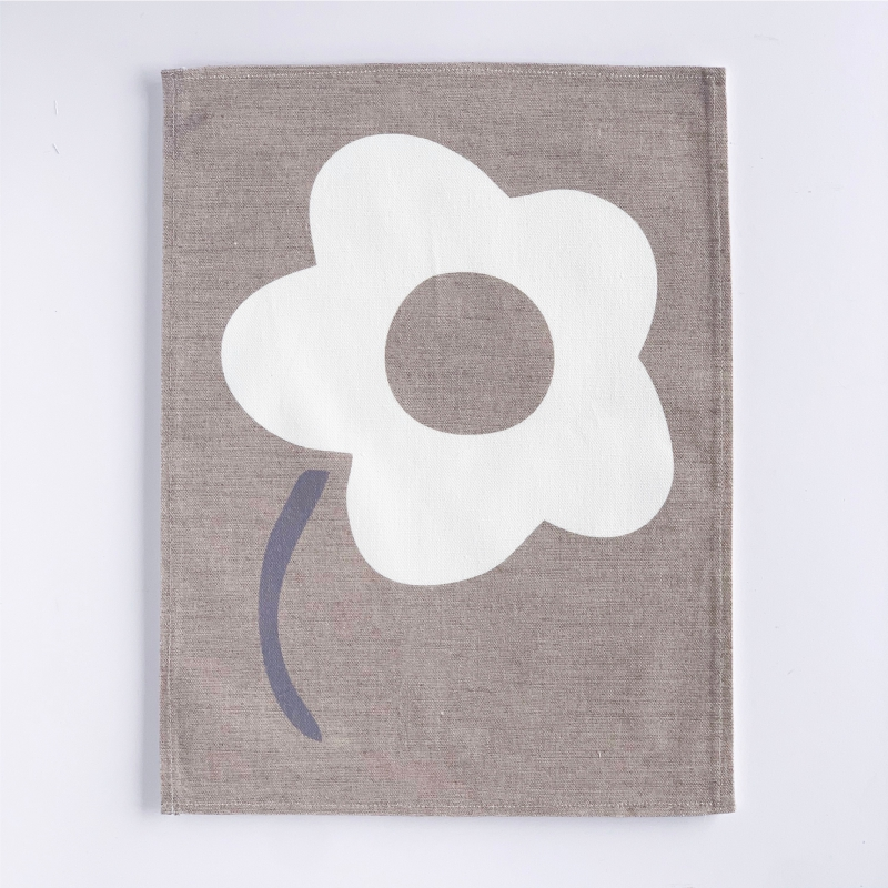 Daisy-wall-hanging-WHITE-PRODUCT
